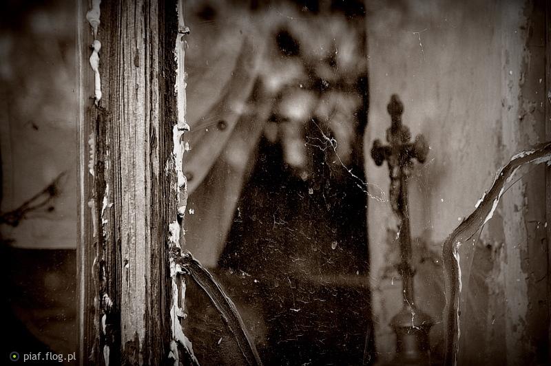 ...''cienie przeszłości''...