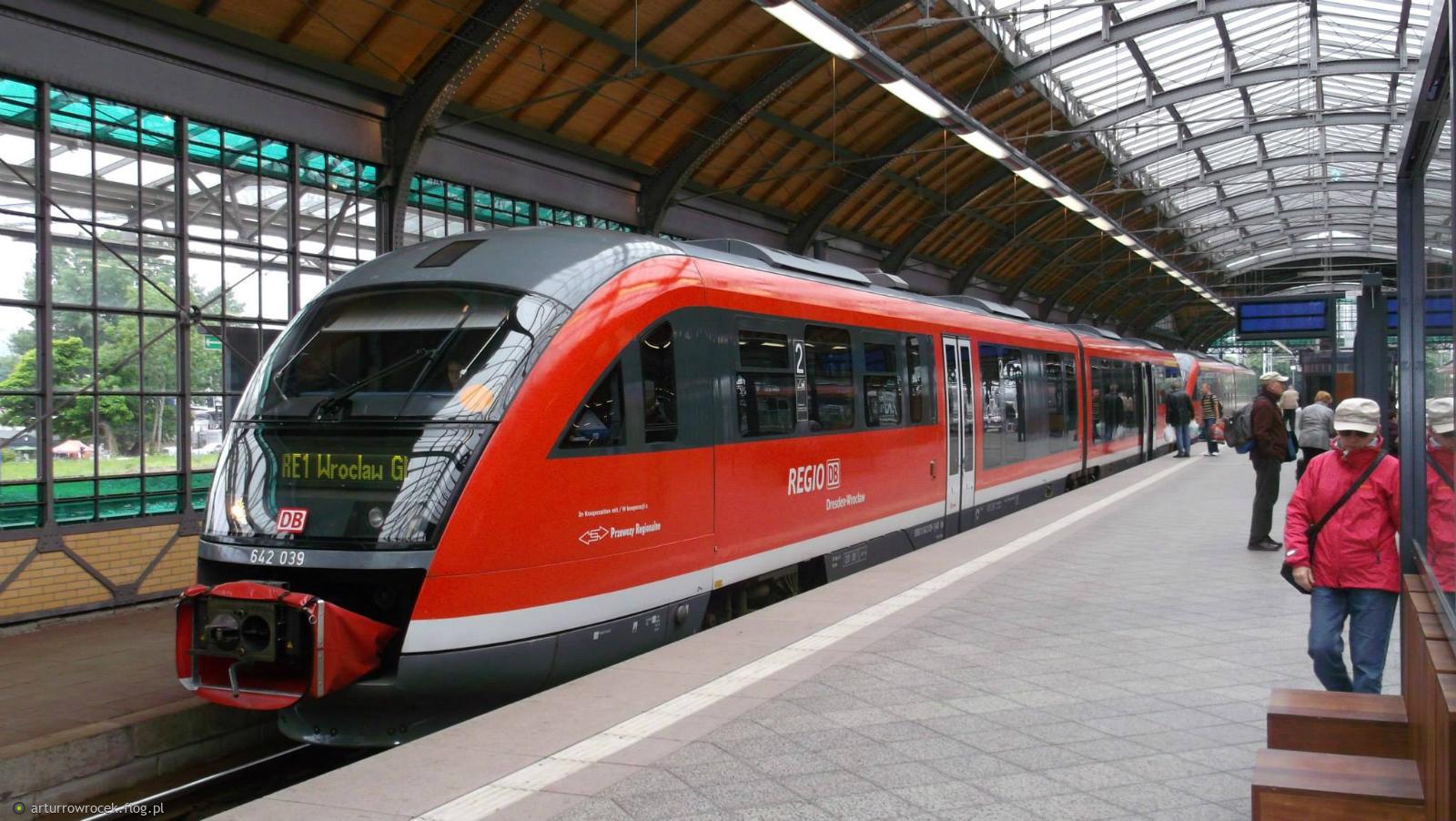 Tag db pr szynobus drezno wroclaw stacja peron tor for Berlin to dresden train