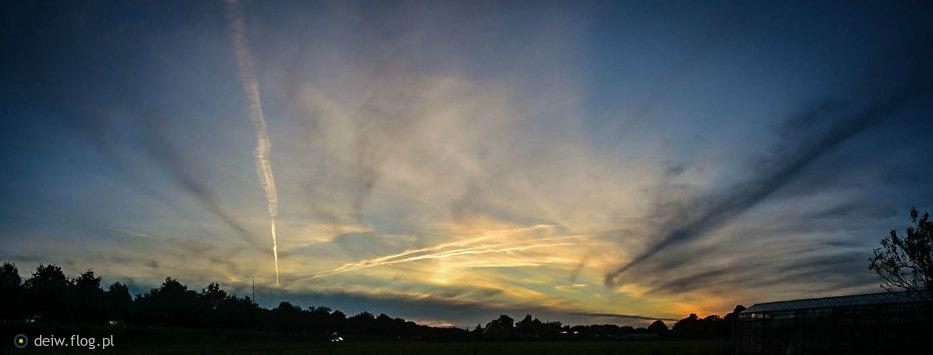 Kolejny zachodzik, słońce, chmury, smugi po samolotach...