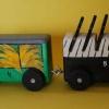 &quot;Lokomotywa&quot; Tu<br />wima :: A czwarty wagon pełen ban<br />anów, A w piątym stoi sze<br />ść fortepianów,